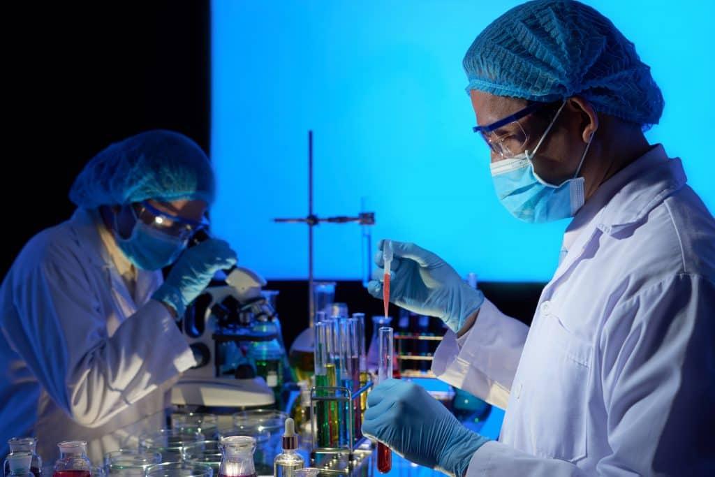 A criação da vacina pode ser rápida, o processo demorado é a resposta imune do nosso organismo