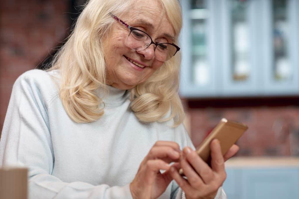 Aplicativos ajudam idosos a manterem suas rotinas